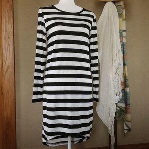 JAGGAR Whirlwind Black & White Striped Dress XS